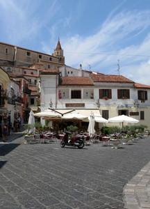 Piazza Giovanni Buraglia
