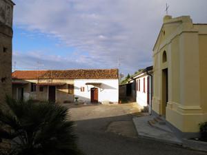 La piazzetta del borgo marinaro di Torre Marino (Ricadi, VV)