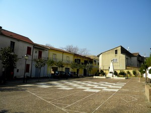 Pastorano piazza Caduti