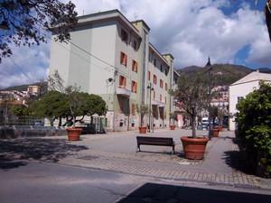 Una piazza di Paola
