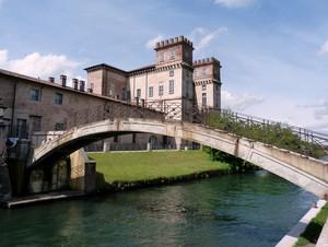 il ponte e Villa Archinto