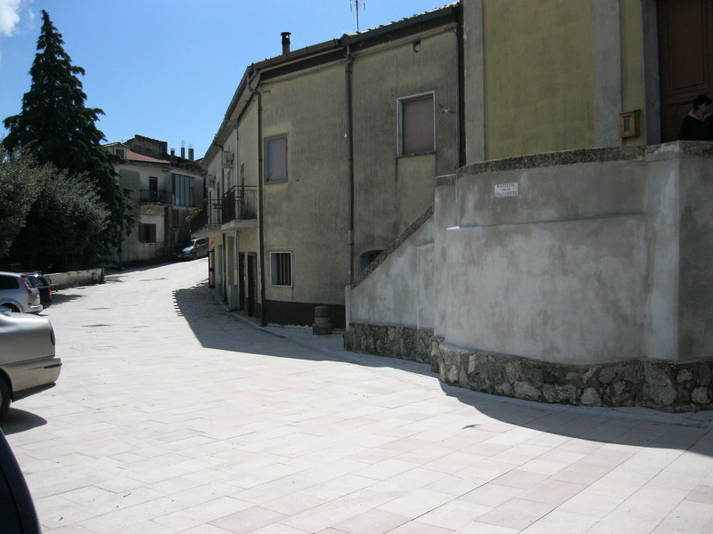 ''Piana di Monte Verna frazione Villa Santa Croce piazzetta delle chiacchiere'' - Piana di Monte Verna