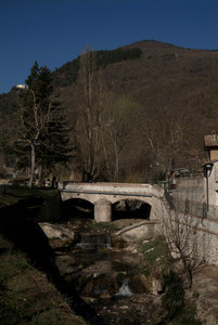 Muccia (MC): ponte di via Varano