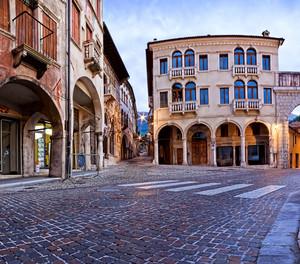 Piazza della Fontana – Vittorio Veneto