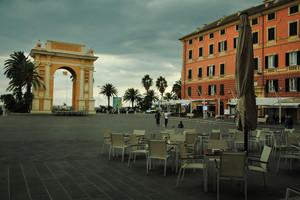 l'arco in piazza