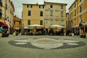 la piazza del marchesato dei Del Carretto