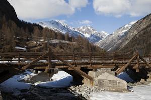 Ponte di montagna