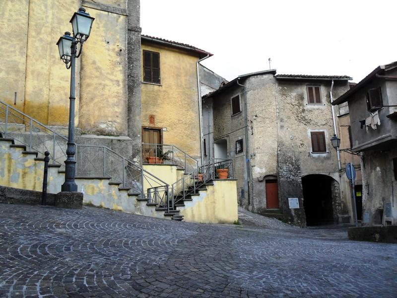 ''La Piazza della Chiesa'' - Sambuci