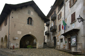 la piccola Piazza Pretorio
