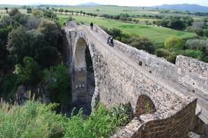 Ponte dell'abbadia di Vulci
