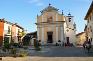 Piazza della Libertà parrocchia di San Nicolao