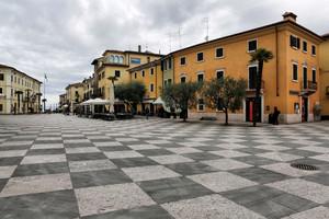 Piazza Vittorio Emanuele ll