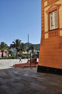 uno sguardo sulla piazza