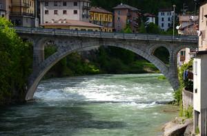 Uno dei ponti di San Giovanni Bianco