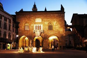 Vespero – Piazza Vecchia