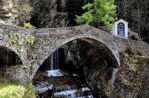 Antico ponte sul Rabbiosa a Campodolcino