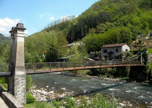 Il ponte pedonale di Villa