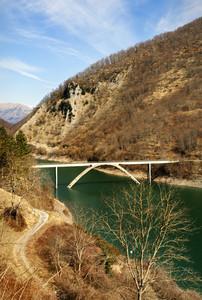 il ponte sul lago…