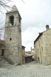Stroncone (TR): piazza della Torre