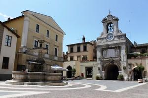 Una piazza per il Comune