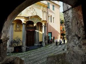 Dolcedo – Piazza San Tommaso