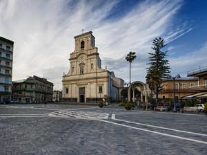Piazza Lucia Mangano
