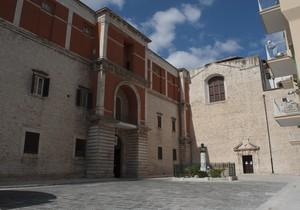 Piazza…ta dietro la cattedrale