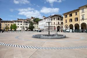 Piazza Arnolfo di Cambio