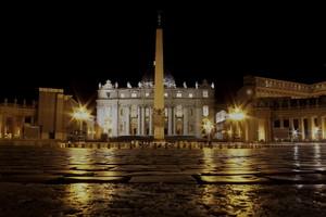 Calma serale nella Piazza Santa