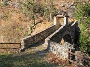Ponte di Moretta a Perloz