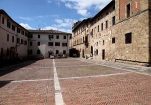 Piazza Duomo Colle di Val d'Elsa