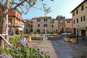 Piazza Mazzini a Villanova d'Albenga