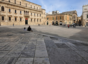 """""""Riposo"""" sui gradini della cattedrale"""