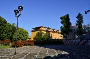 all'ombra della piazza