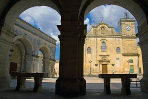 Piazza San Giorgio dai portici