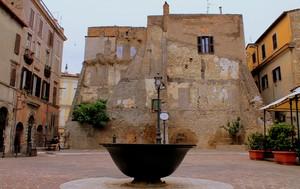 Piazza Mons. Alberto Giovannetti