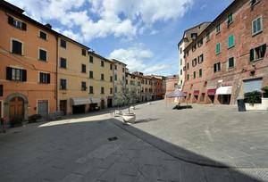 contemplando in Piazza Matteotti
