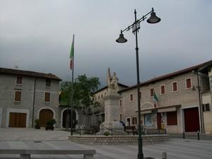 Piazza Vittorio Emanuele II – Fraz. Dardago