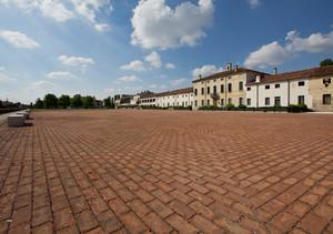 Piazza Corte Grande