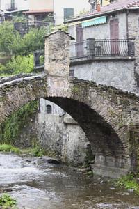 Ponte medievale sul torrente Pignone