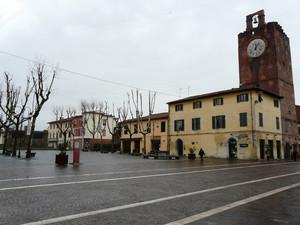 La piazza dell'orologio