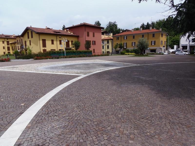 ''Piazza della Tessitura'' - Fino Mornasco