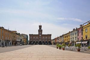 Casalmaggiore Piazza Garibaldi