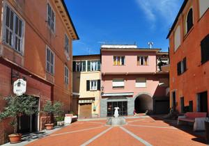 Piazza Mazzini – Colori di Liguria