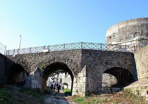 Capua antico ponte pedonale e torre federico 2°