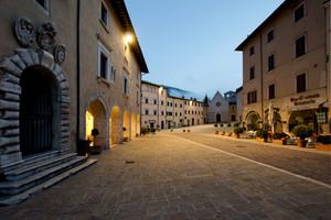Piazza Pietro Capuzi – Visso