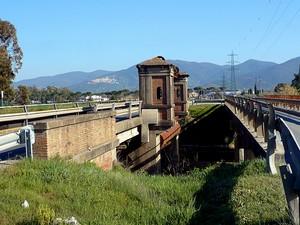 Ponte delle cateratte sul fiume Pecora
