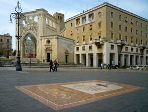 Uno stemma in piazza