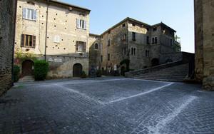 Largo Tommaso Gismondi scultore