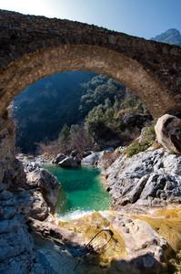 """ Verde smeraldo all'ombra del ponte Cin """